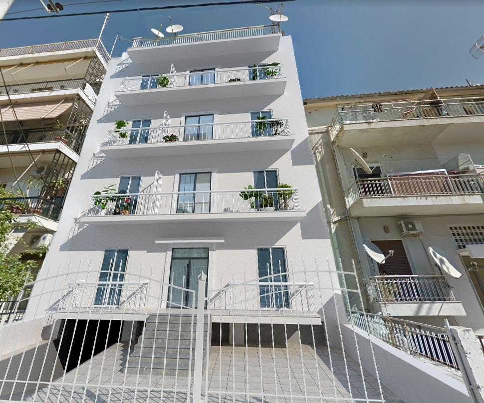 希腊雅典高速旁一梯两户精装公寓楼