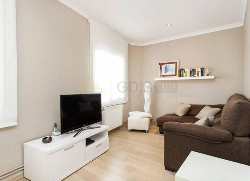 西班牙巴塞罗那扩展区精美公寓30.6万欧